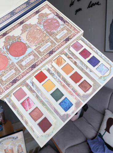 植物彩妆将自然色彩聚于美妆盘中,兰瑟穆夏眼颊盒助你玩转夏天